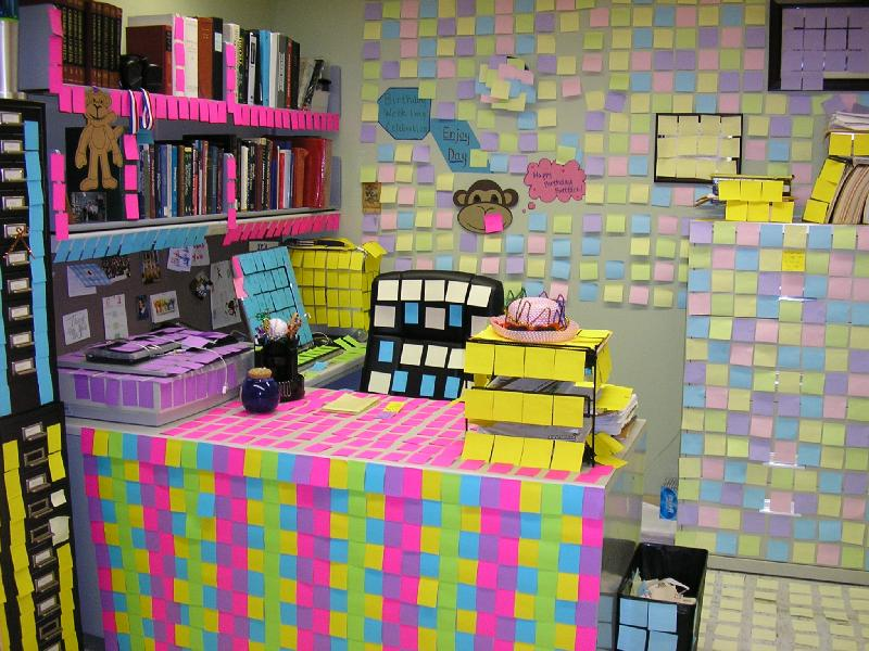desk covered with postit notes. Black Bedroom Furniture Sets. Home Design Ideas